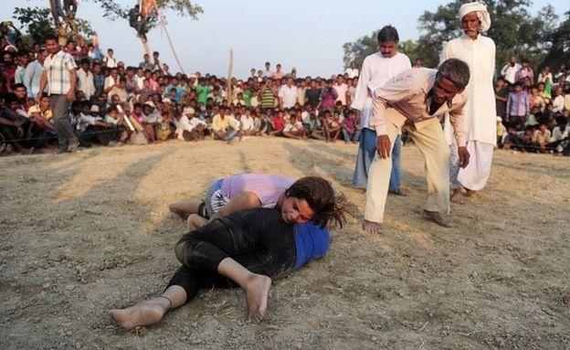 印度出现了女摔跤选手