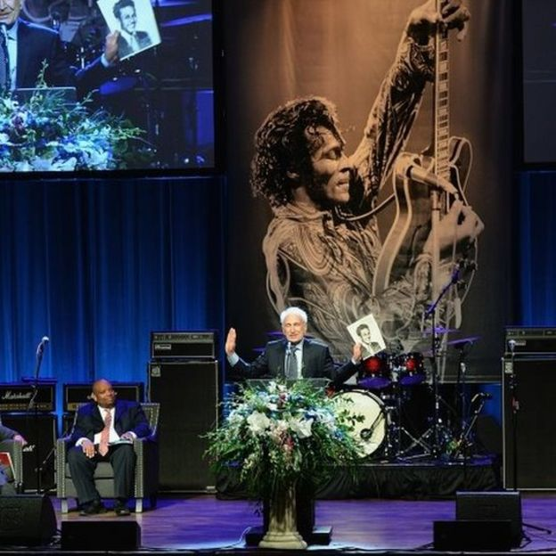Marshall Chess, son of Chess Records founder Leonard Chess, speaks during the memorial service for rock 'n' roll legend Chuck Berry (09 April 2017)