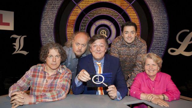 Stephen Fry steps down as QI host - BBC News