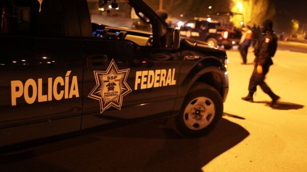 Camioneta de Policía Federal