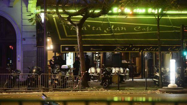 Paris attacks: Eyewitness accounts - BBC News
