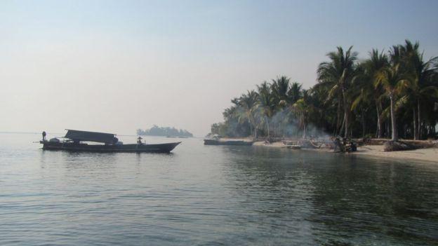 Vista de una isla habitada por Bajau