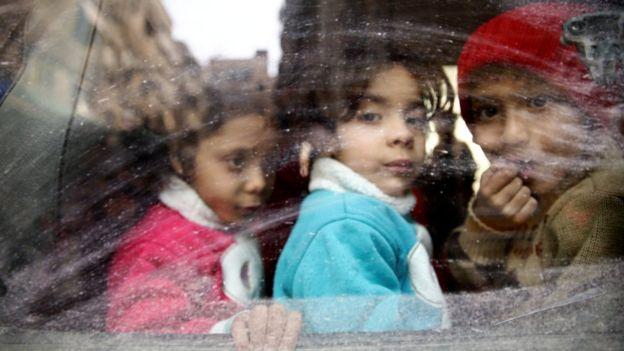 Civiles evacuado Duma.