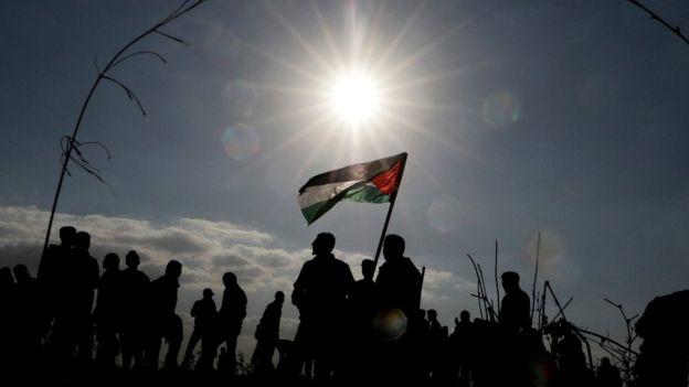 Демонстрация палестинцев против решения Дональда Трампа