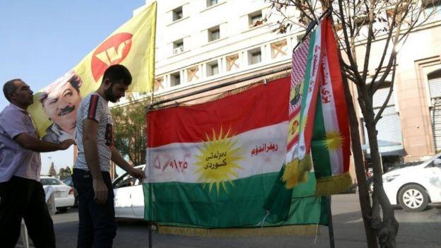 Erbil'e asılan bayraklar