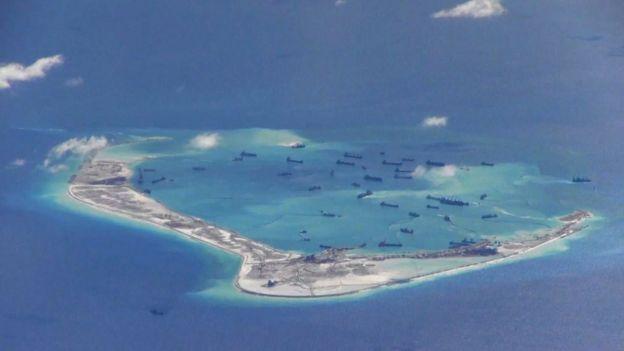 资料图片:中国据报在南沙群岛建人工岛