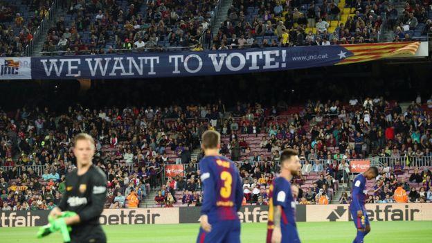 Partido en el Camp Nou.