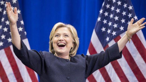 Hillary Clinton waxa ay ahayd qofka kaliya kaliya ee dumarka ah ee ebed xisbiyada waaweyn ee Maraykanka musharax u noqota