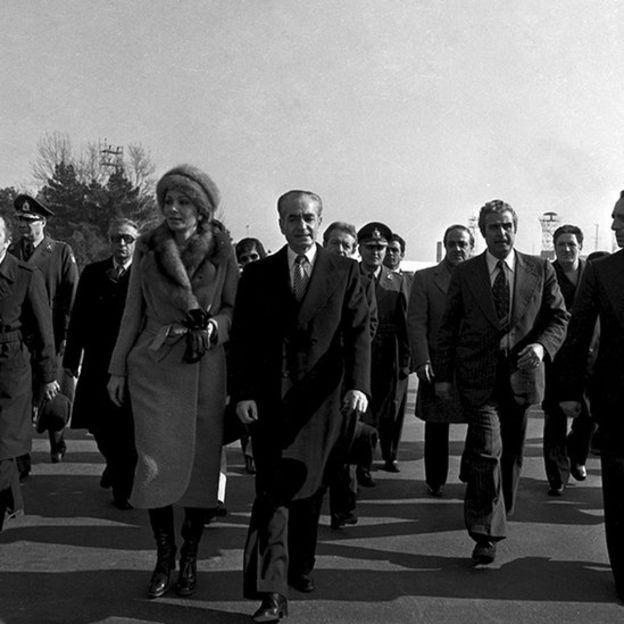 خروج شاه و ملکه از ایران