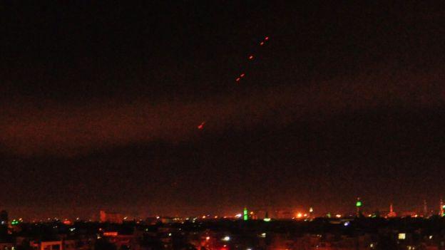 Зенитные ракеты над Дамаском
