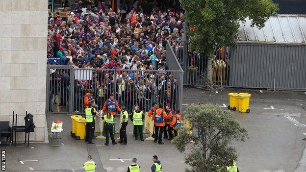 Aficionados en el Camp Nou