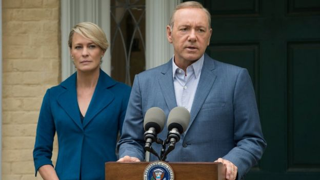 Robin Wright y Kevin Spacey en la serie de Netflix, House of Cards