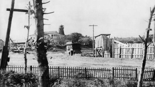за забором - трудовый лагерь в Биробиджане, 1954 год
