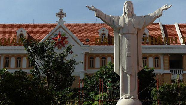 越南被认为是一个佛教徒国家,只有约7%的天主教徒
