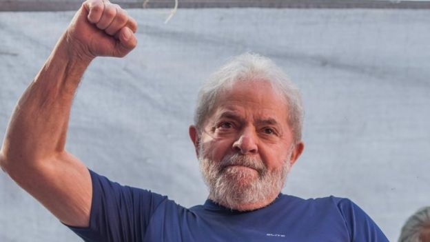 Lula emocionado