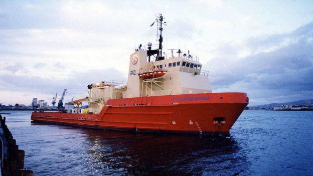 Un buque pesquero atracado