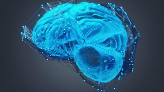 Cerebro con interconexiones iluminadas