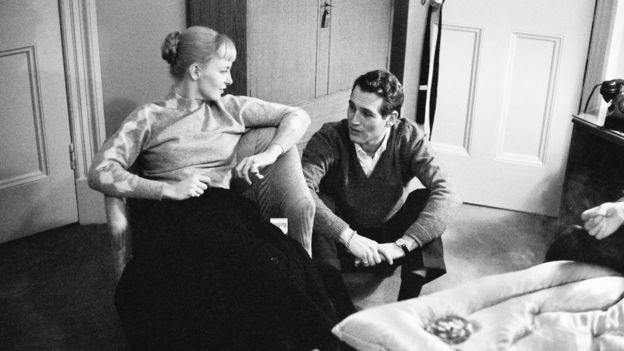 American actor Paul Newman (1925 - 2008) with his wife, actress Joanne Woodward, 3rd February 1958