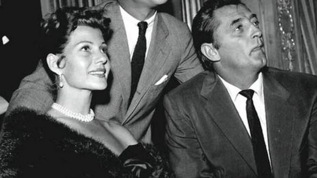 Rita Hayworth y Robert Mitchum
