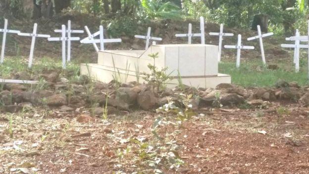 Face à la recrudescence de ce phénomène, de nombreuses familles aussitôt après l'enterrement gardent pendant des semaines leurs tombes