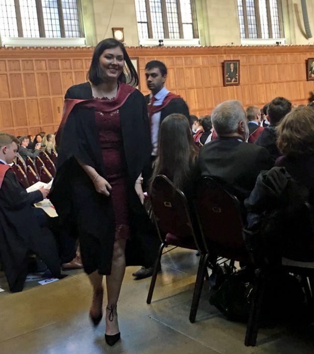 Hannah en el día de su graduación (Foto: Hannah Price)