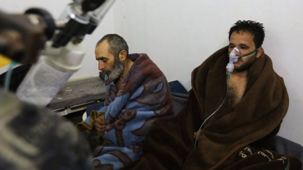 Syrians reportedly suffering from breathing difficulties following a Syrian government air strikes on the town of Saraqeb rest at a field hospital (4 February 2018)