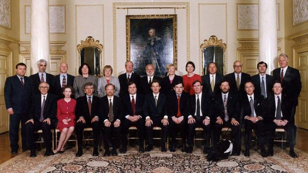 Theresa May's cabinet: Official photo released - BBC News