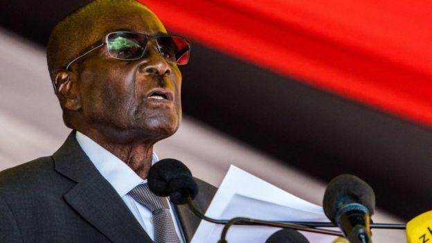 Le président Robert Mugabe qui dirige le Zimbabwe depuis 1980