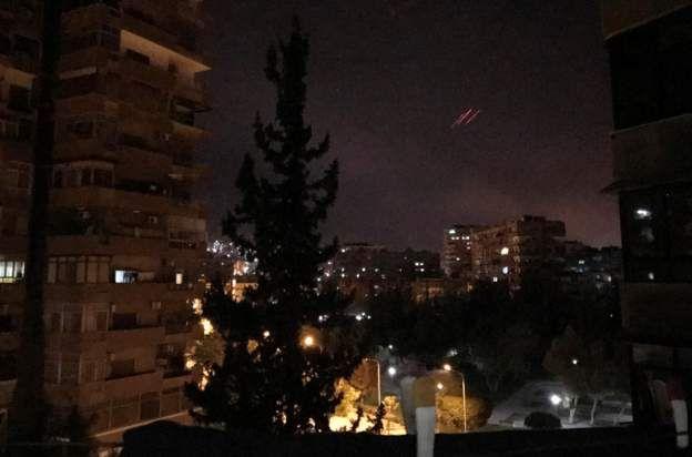 ซีเรียยิงจรวดต่อต้านเครื่องบินรบ เพื่อตอบโต้การโจมตีทางอากาศ