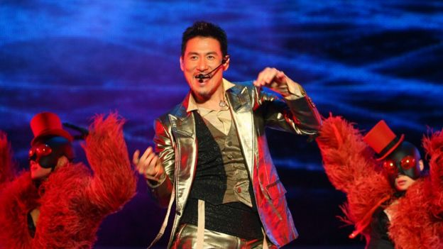 Hong Kong pop singer Cheung Jacky performs during his vocal concert on April 7, 2007 in Nanjing of Jiangsu Province, China.