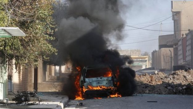 Vehicle burning in east Mosul (11 January 2017)