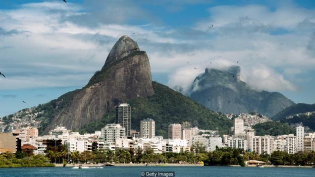 Cảnh quan kiến trúc của các thành phố như Rio và Cape Town được nâng tầm rất nhiều nhờ địa thế tự nhiên