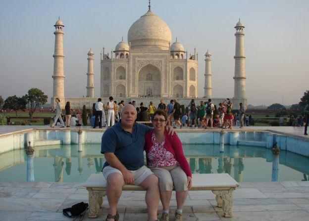 Con su esposa en el Taj Mahal