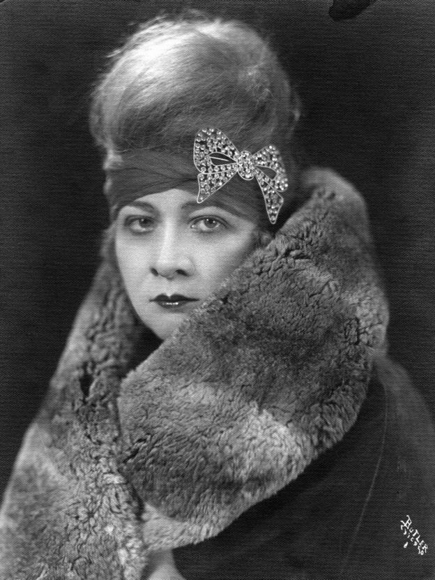 Sophie Tucker as a young woman