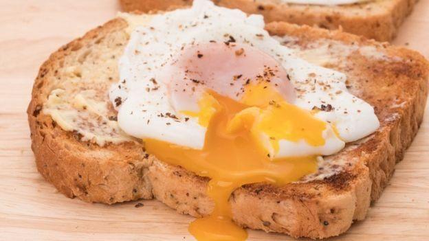 Uma torrada com ovo