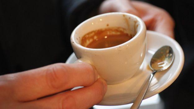 Loại cà phê expresso được người Paris ưa dùng vào buổi sáng trước khi đi làm.