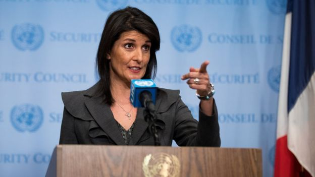 Nikki Haley points to a reporter off-camera at a media briefing in the UN, New York City