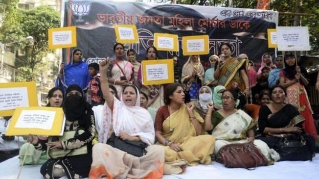 ভারতের 'তিন তালাকের' রীতি বাতিলের দাবিতে মহিলাদের বিক্ষোভ