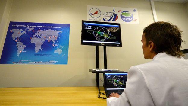 Российский техник тестирует оборудование ГЛОНАСС в Бразилии (19 февраля 2013 года)