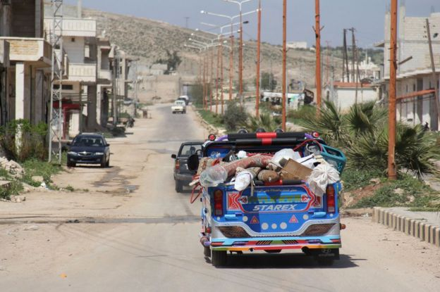 Syrian residents of Khan Sheikhun flee, 7 April