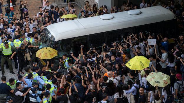 囚車離開香港高等法院(17/8/2017)