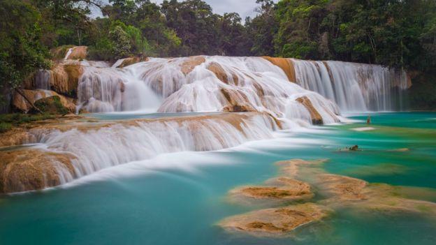Cascata de Água Azul