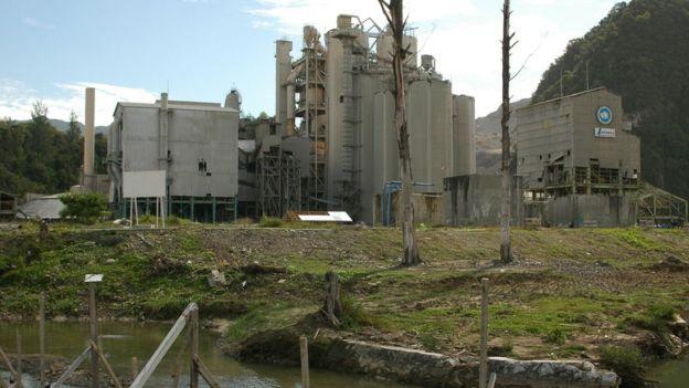 Fábrica de cemento.