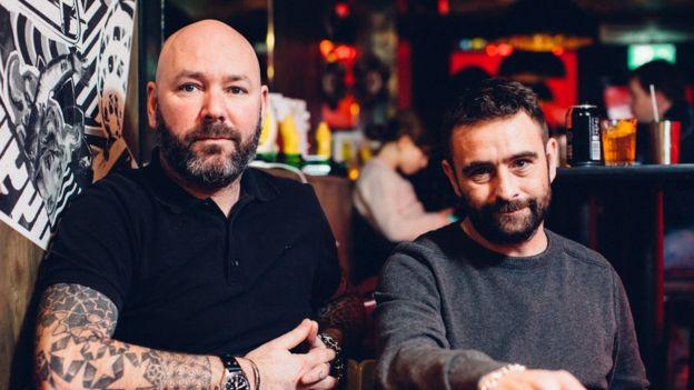Scott Collins (izquierda) y Yianni Papoutsis, fundadores de Meat Liquor