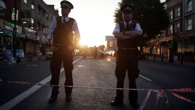 Sokakta polis