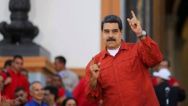 Nicolás Maduro com apoiadores em ato em Caracas, em 5 de abril de 2018