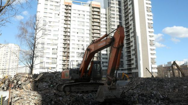 Снос пятиэтажки и новый дом