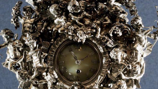Серебряные часы работы Фаберже