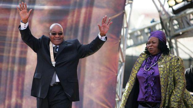 Zuma ve en büyük eşi Sizakele Khumalo