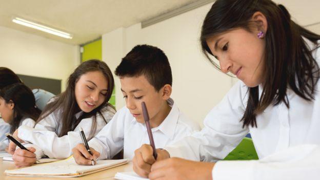 Estudiantes de secundaria en América Latina